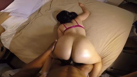 Thick thot with a jiggly booty pov backshots